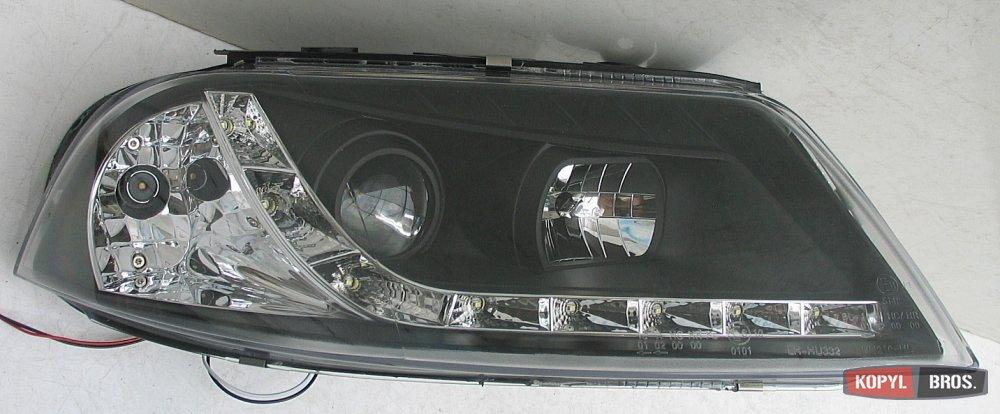 В связи с тем, что надоел желтый свет штатных ламп в передних габаритах, решил заменить их на светодиодные